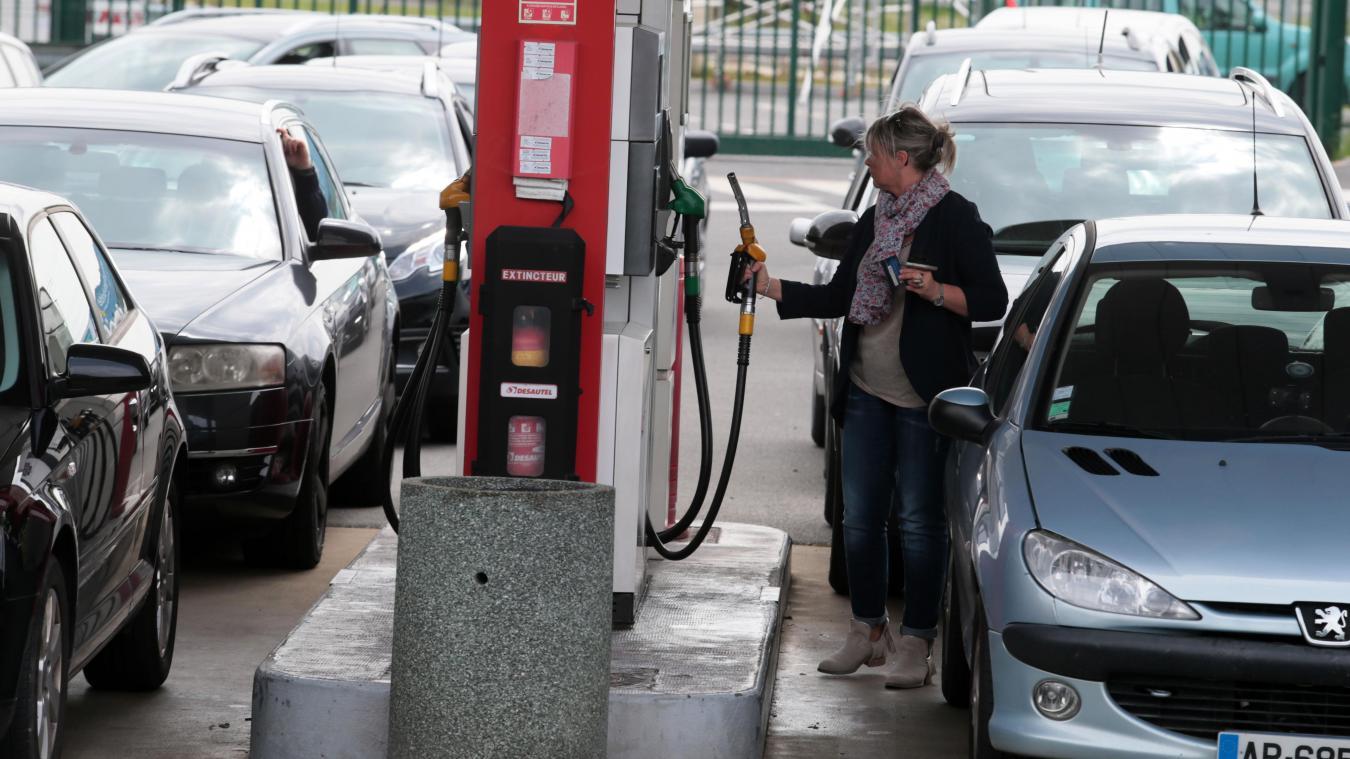 Carburants Après Le Pas De Calais Le Nord Réquisitionne