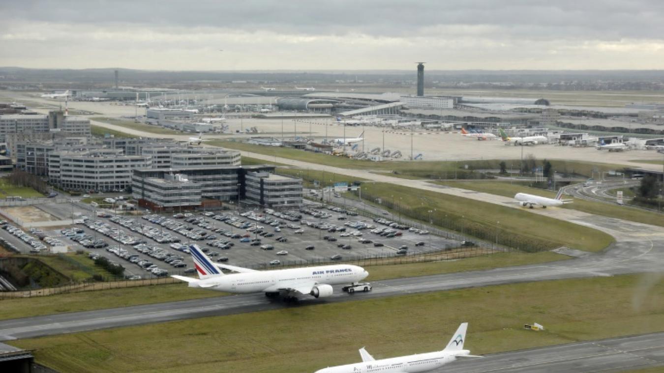 Le gouvernement fait un geste en faveur des compagnies aériennes — Taxe d'aéroport