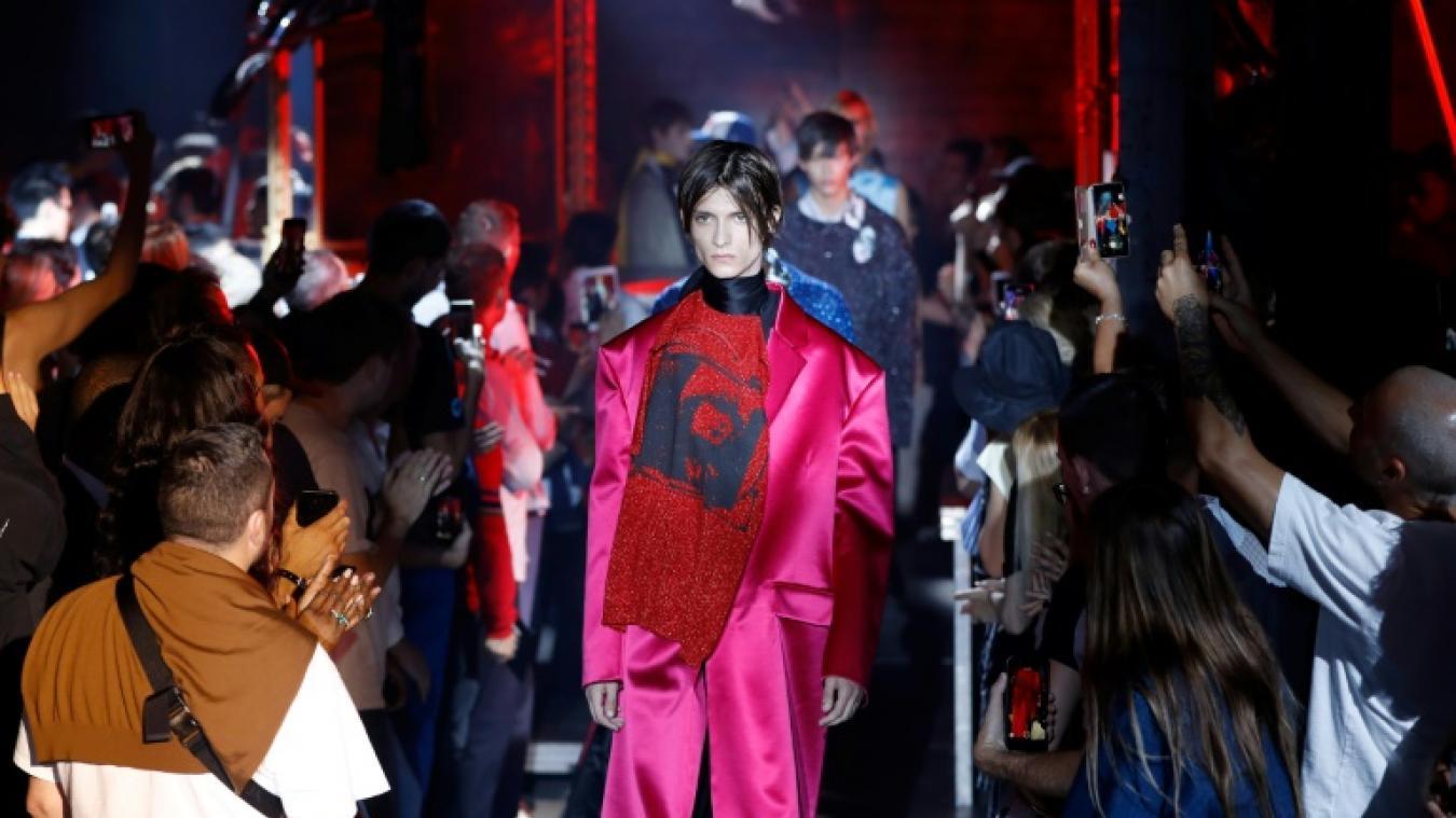 69d236d70bef Fashion week  plus coloré et audacieux