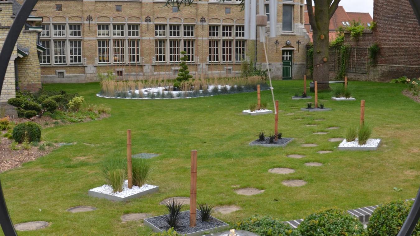 Awesome Jardin Galets Blancs Et Noirs Images - Bikeparty.us ...