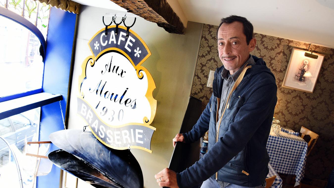 Dans Un Decor De Bord Mer Chez Raoul Propose Une Ambiance Capenoulesque Photo