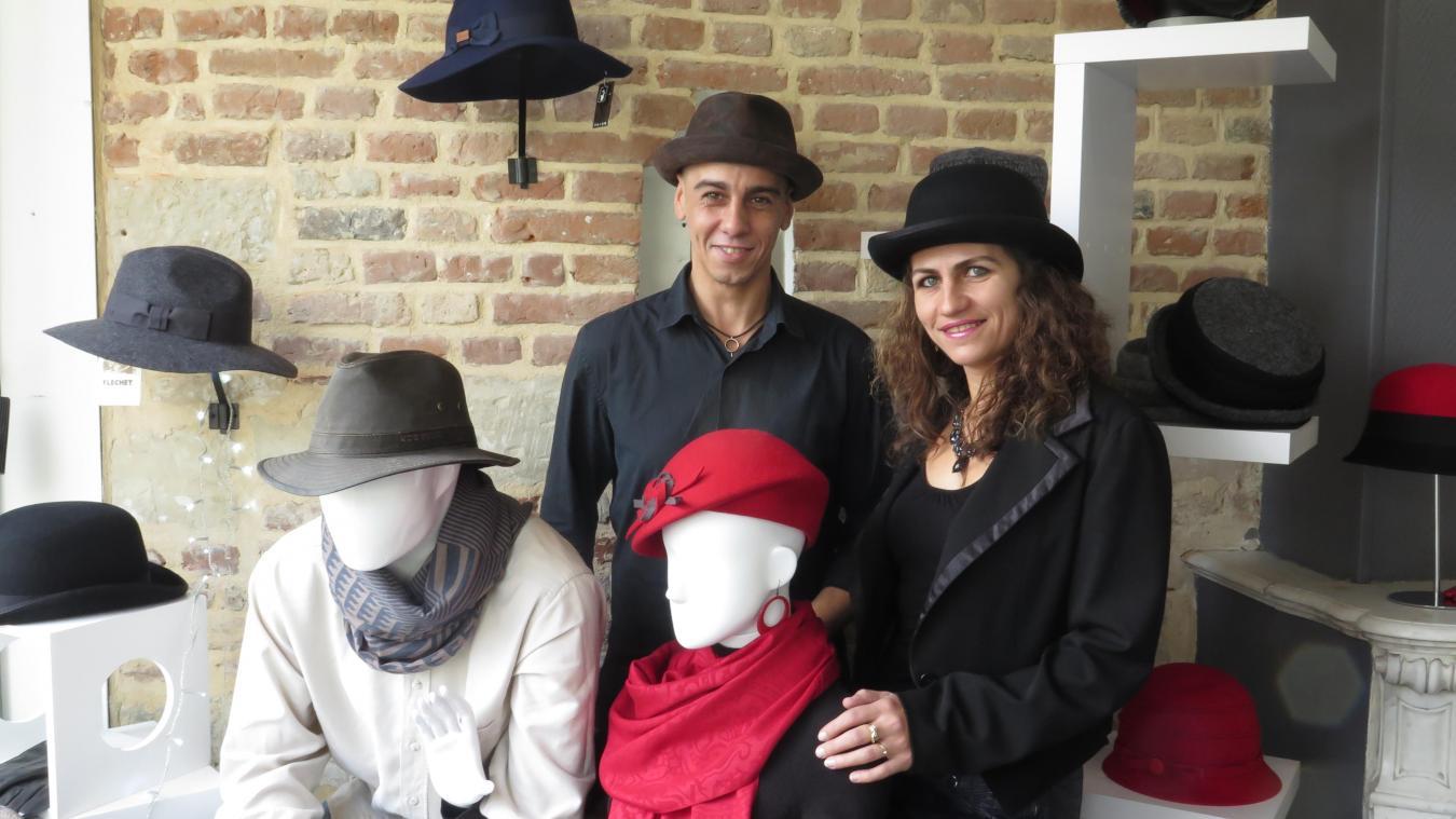 ada208db4c6ebd Yann Duplouy et Vanessa Flasque, dans leur boutique épurée de la rue  Saint-Géry