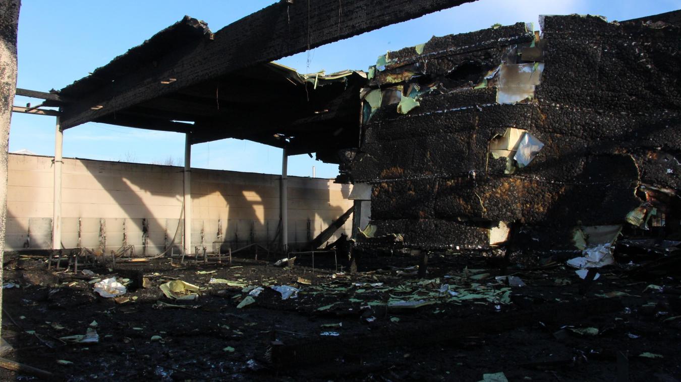 Baisieux La Salle Vouee A La Destruction La Reflexion Sur L Apres