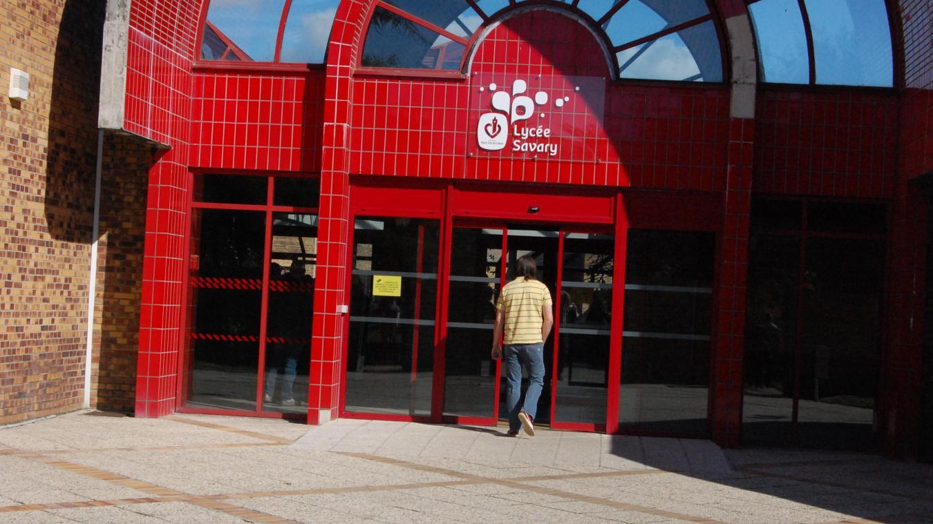 6ce40477b64a ARRAS  Vols et vandalisme au lycée Savary-Ferry   des dizaines de ...