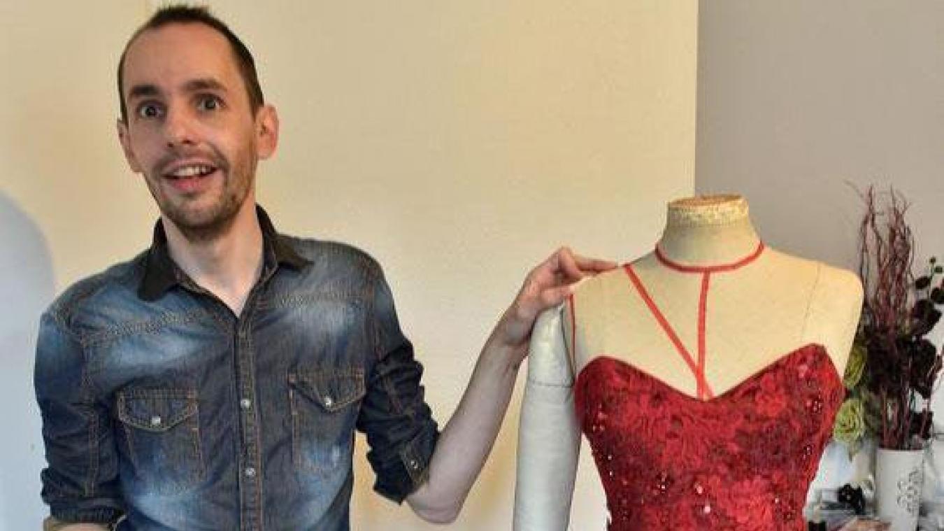 Iris mittenaere robe rouge miss univers 2017