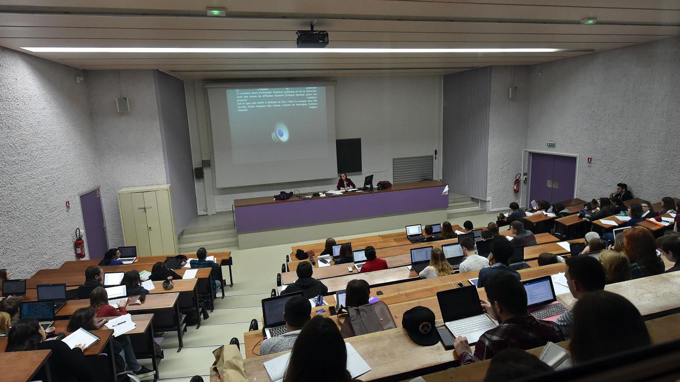 Calendrier Universitaire Lille 3 2019.Villeneuve D Ascq Rumeur Complot Internet A L Universite