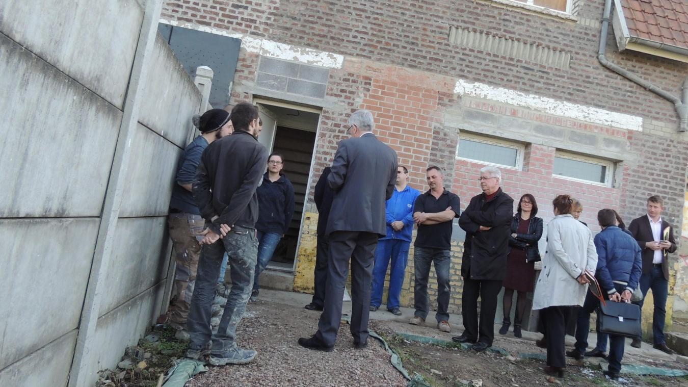 Michel Dagbert President Du Departement A Rendu Visite Aux Personnes Qui Mene Le Chantier