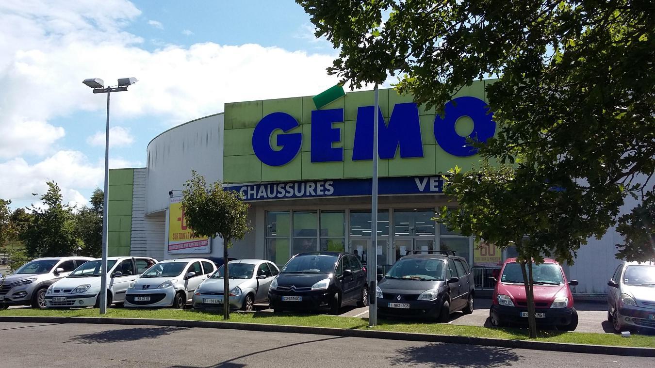 qui pour remplacer le magasin gémo? toujours pas d'action - la voix