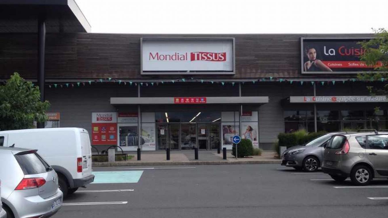 Vente De Tissus Brest hÉnin-beaumont mondial tissus ouvre le seul magasin du pas