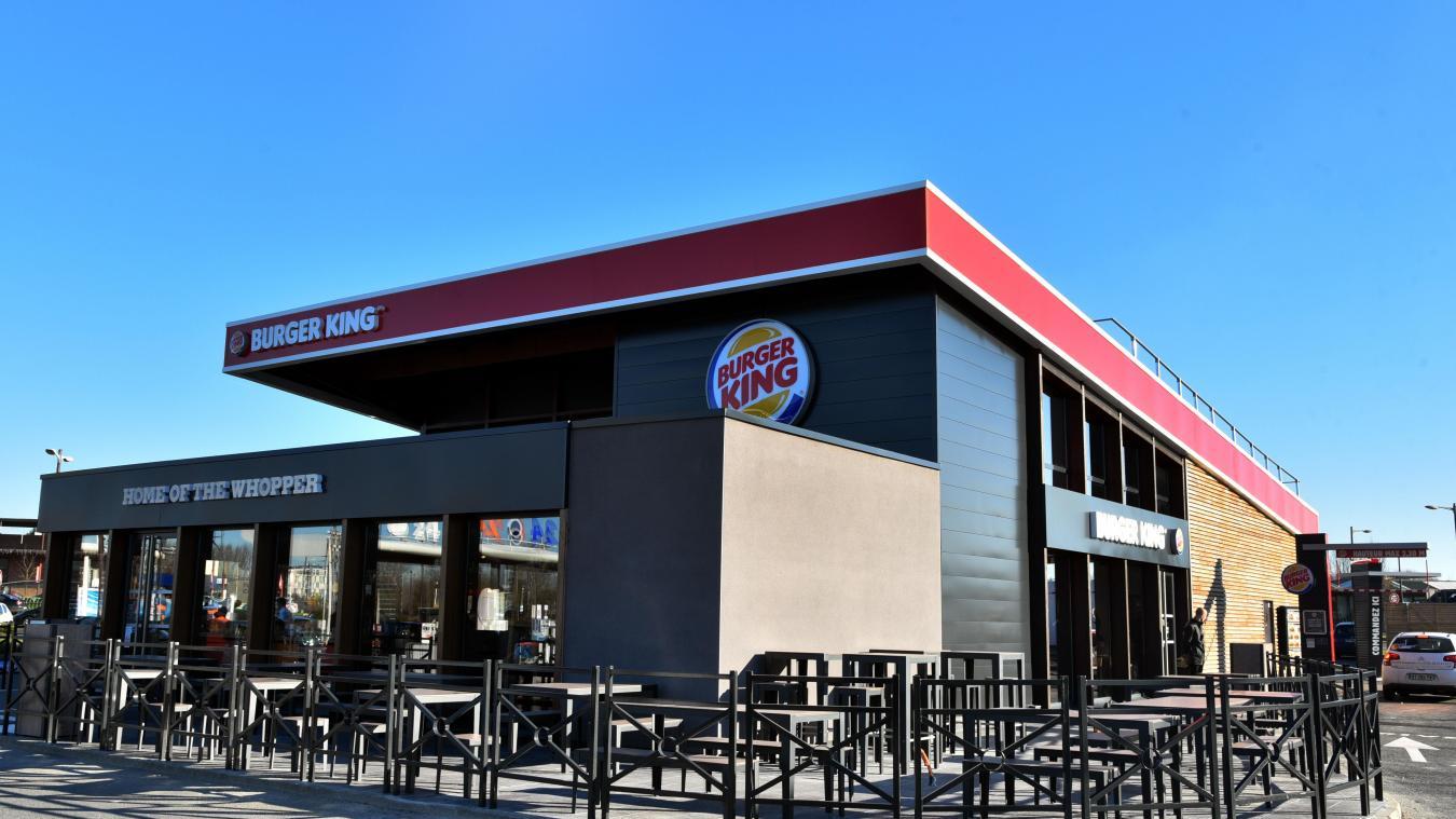 Vol Carte Bancaire Burger King.Saint Amand Les Eaux Ils Volaient Des Cartes Bancaires Au