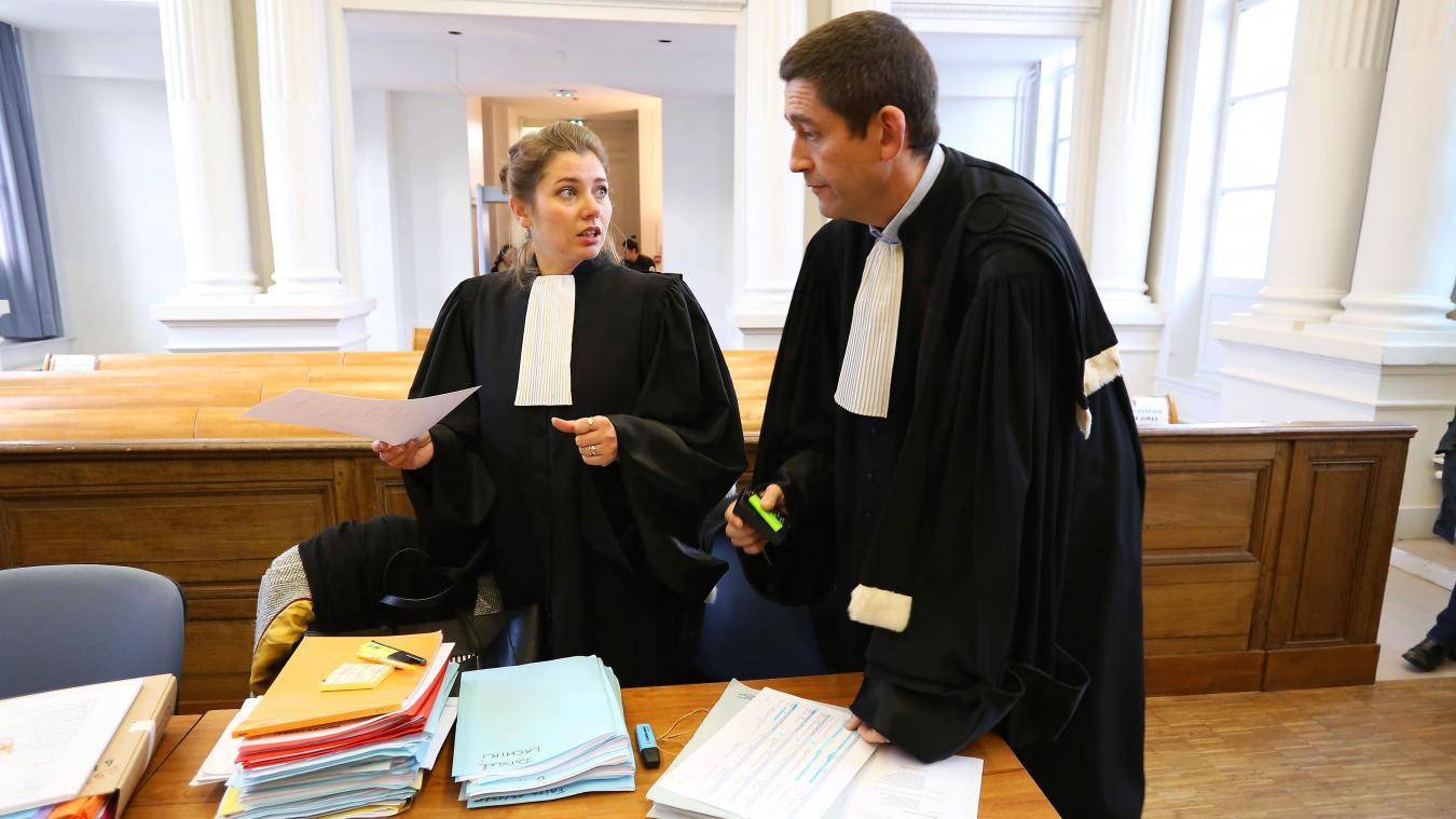 Maîtres Pauline Neveu et Jean-Yves Moyart, en partie civile, au premier jour du procès. PHOTO LUDOVIC MAILLARD