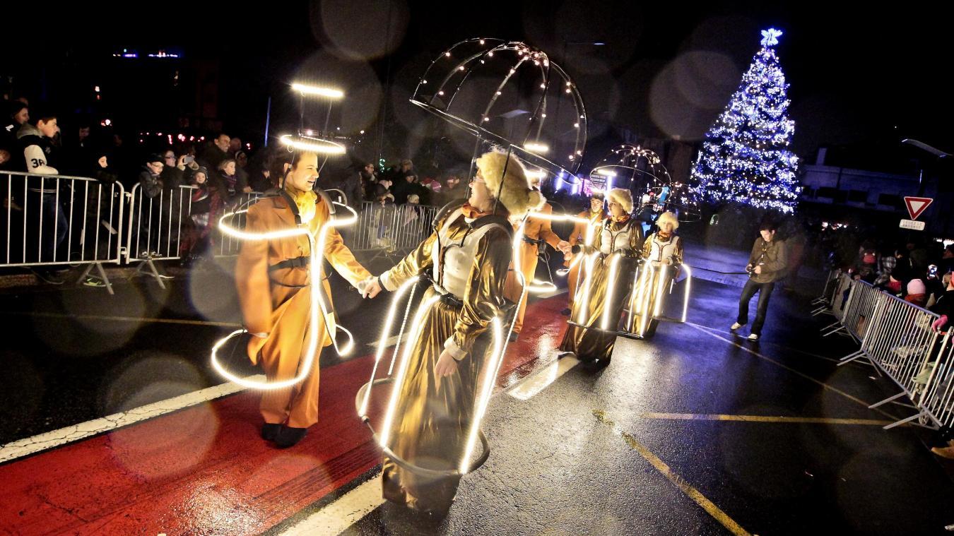 noel 2018 hautmont Hautmont   Bonbons, parade, marché et féerie, le père Noël prend  noel 2018 hautmont