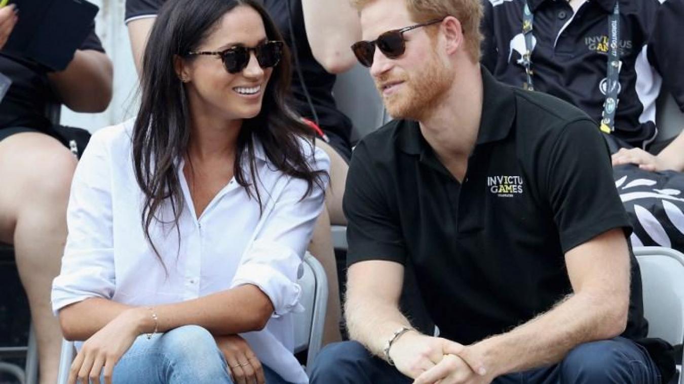 Mariage royal La reine Elizabeth II « enchantée » du mariage du prince  Harry avec l\u0027actrice Meghan Markle