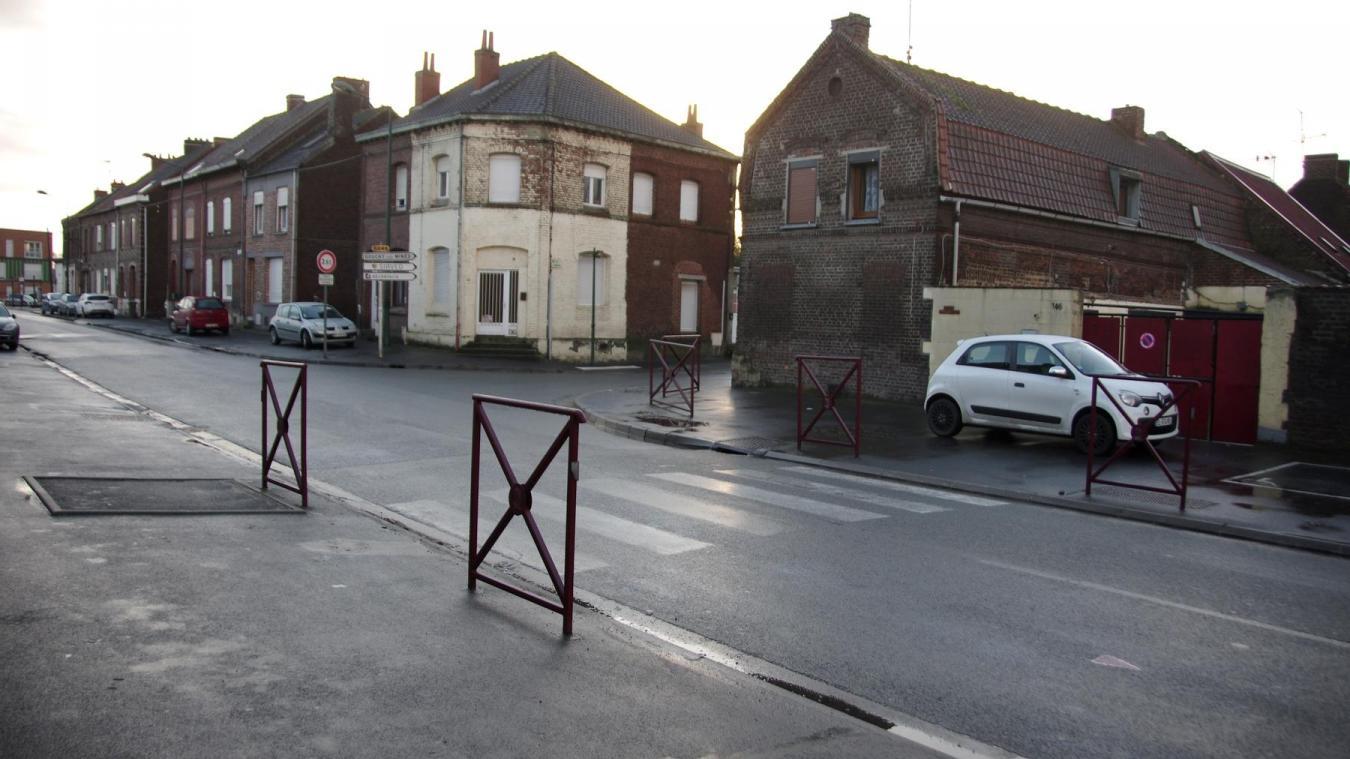 Les piétons ont été renversés ce vendredi matin, rue Mirabeau à Lourches.
