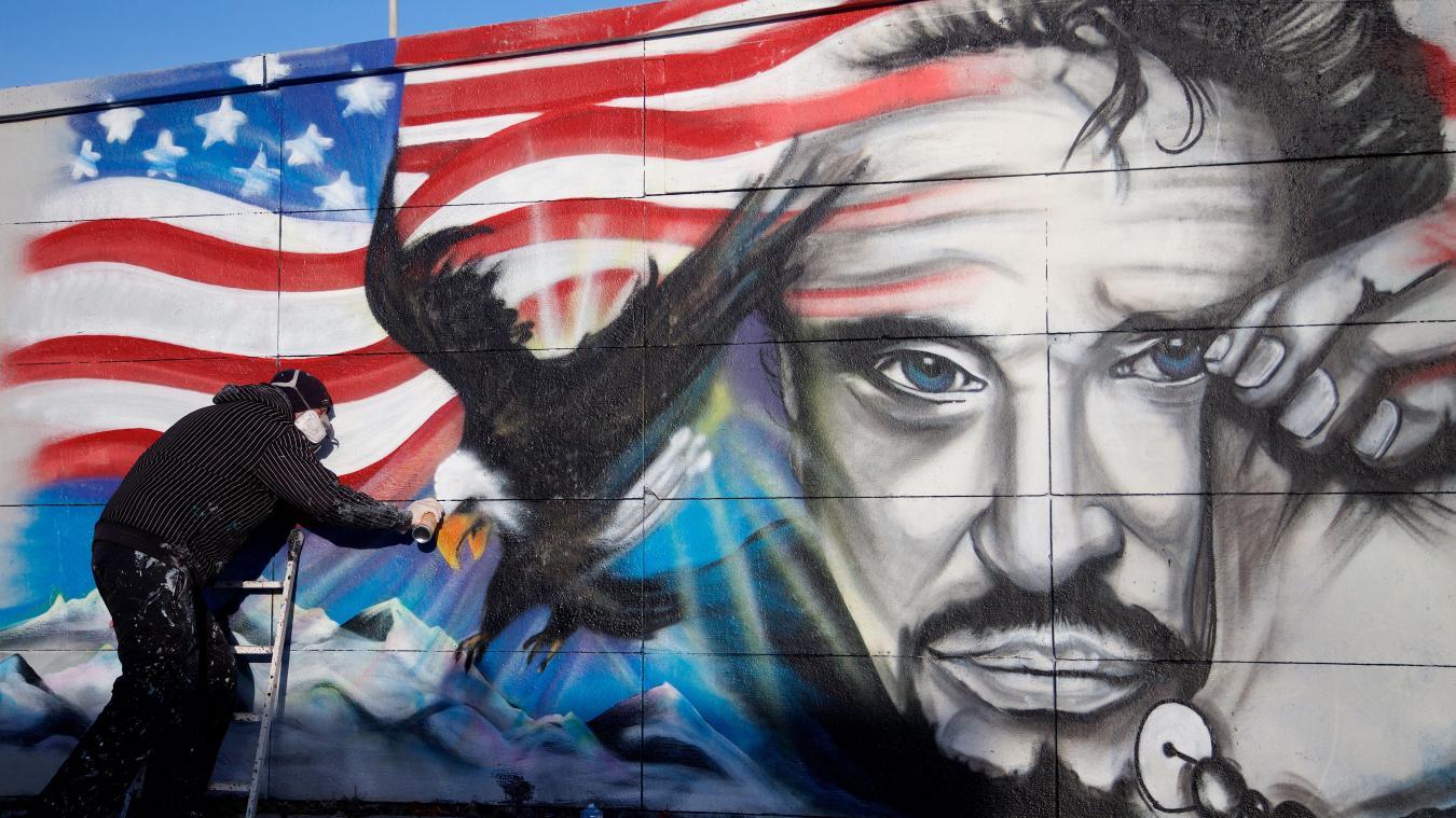 Calais Le Graffeur Kmu Realise Une Nouvelle Fresque Hommage A