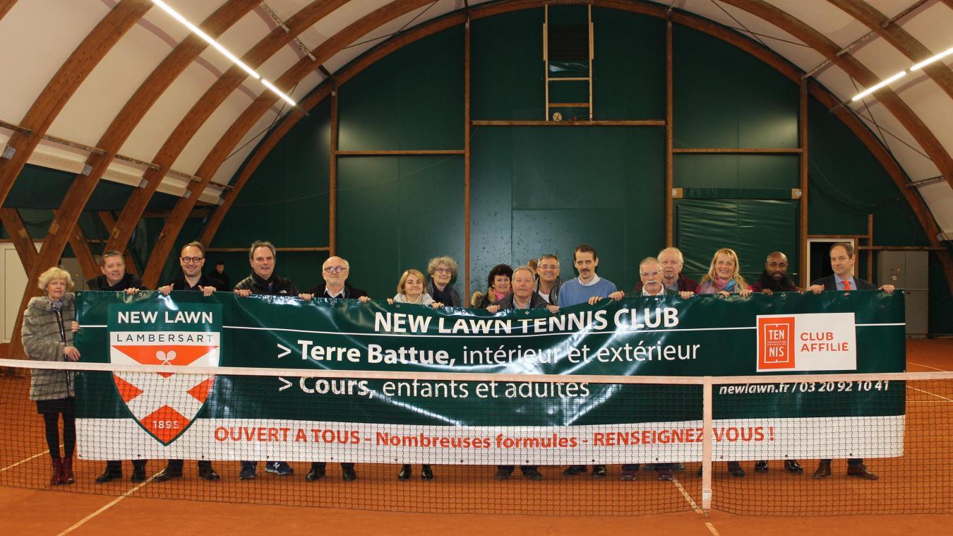 40a00f0b40427 Inauguration des bulles en présence des représentants de la ligue de tennis  des Hauts-de