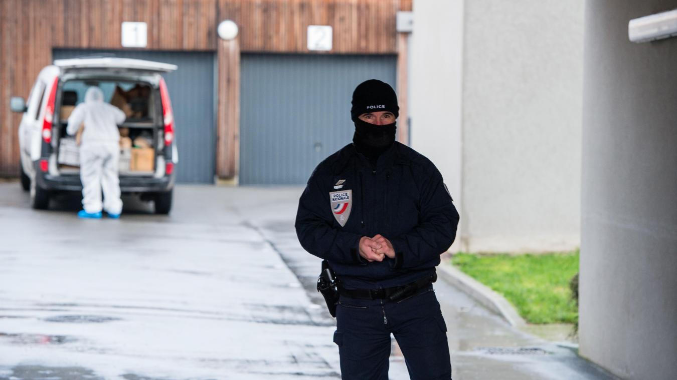 11f10387683a La police est restée longuement sur place pour procéder aux premières  constatations techniques et scientifiques.