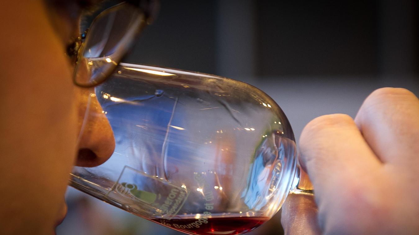 Le sommelier sert par erreur une bouteille à 5.000 euros