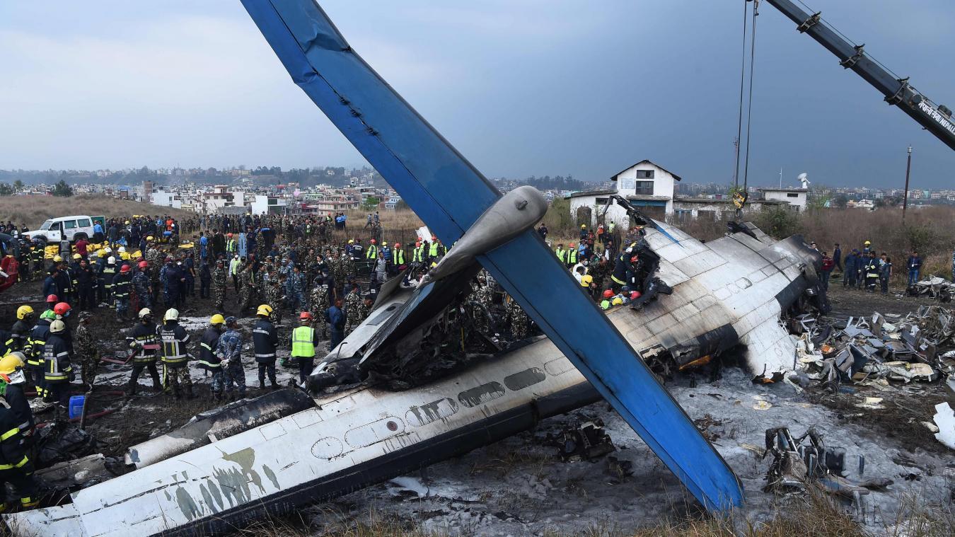 Un avion bangladais s'écrase près de l'aéroport de Katmandou — Népal
