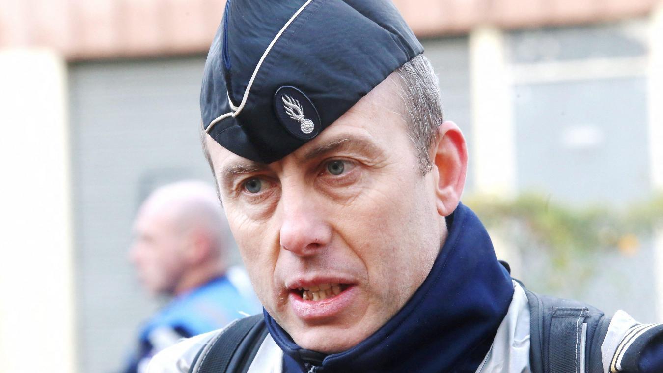 L'hommage spontané au colonel Beltrame à la compagnie de gendarmerie — Bagnols