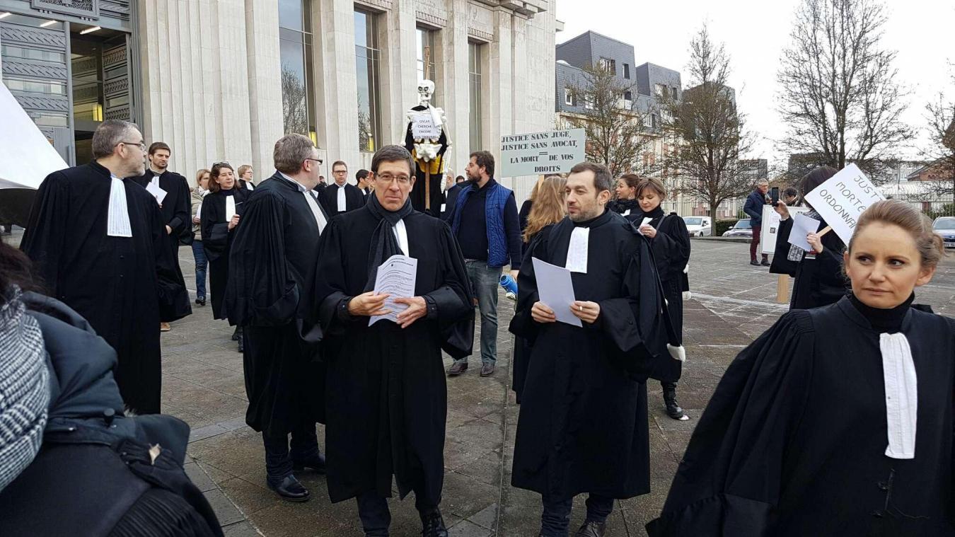 Avocats, magistrats et greffiers s'opposent à la réforme de la justice — Marseille