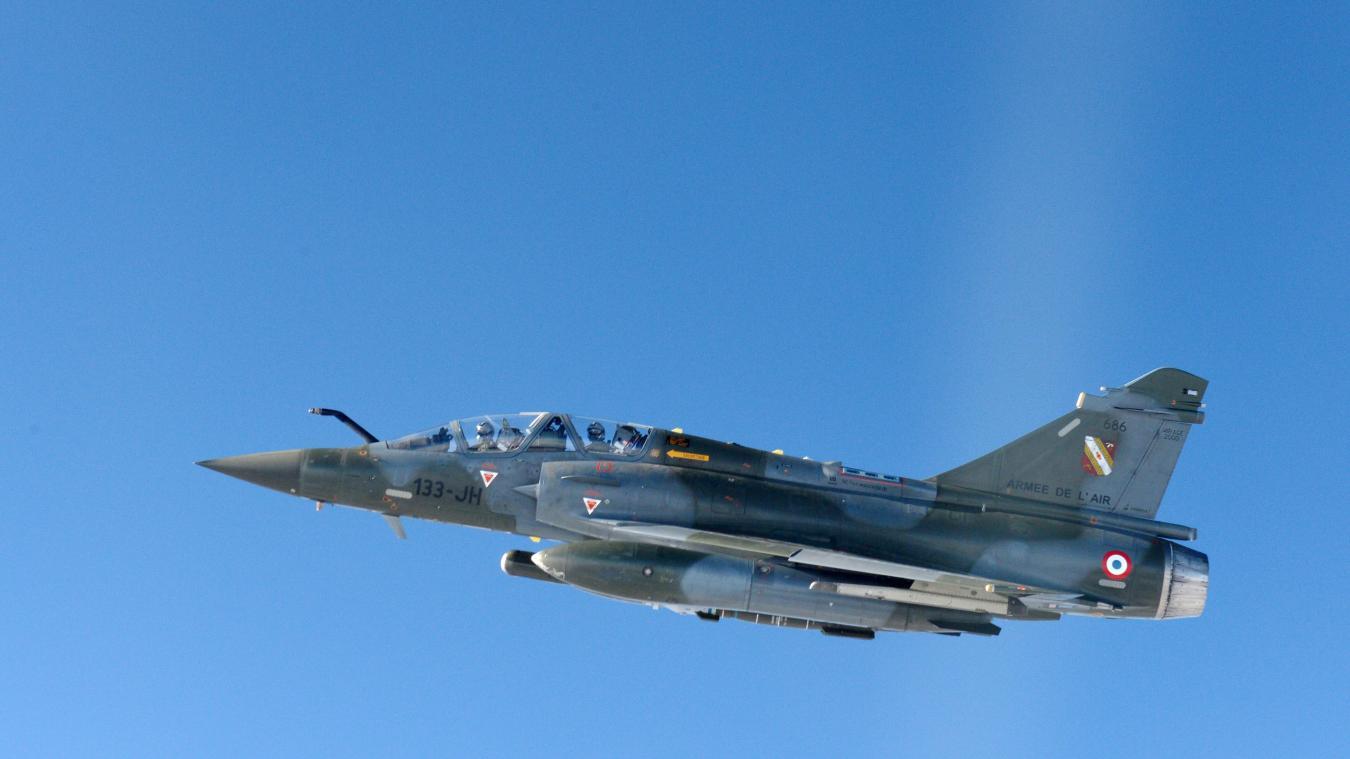 Un Mirage 2000 perd une bombe d'exercice, deux blessés — Loiret