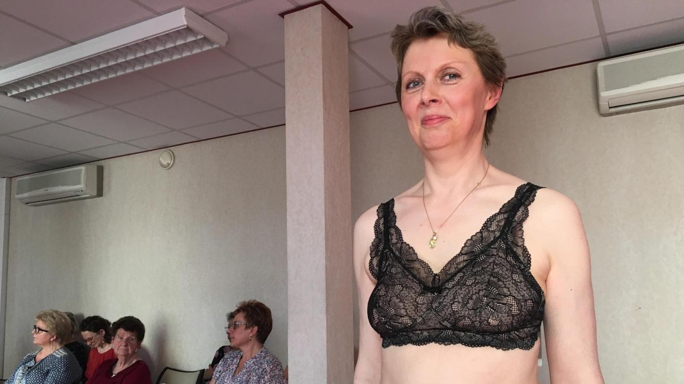 7df666d82b6423 Hélène, la mannequin du jour, a présenté la nouvelle collection d Amoena.