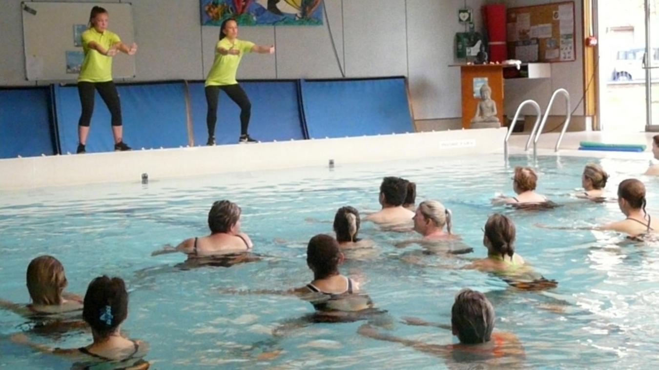 Une Séance Du0027aqua Stretching Avec Leila Et Justine.