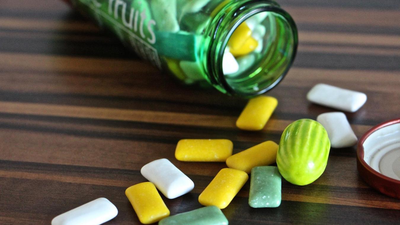 Mâcher un chewing-gum en marchant, ferait maigrir (étude)