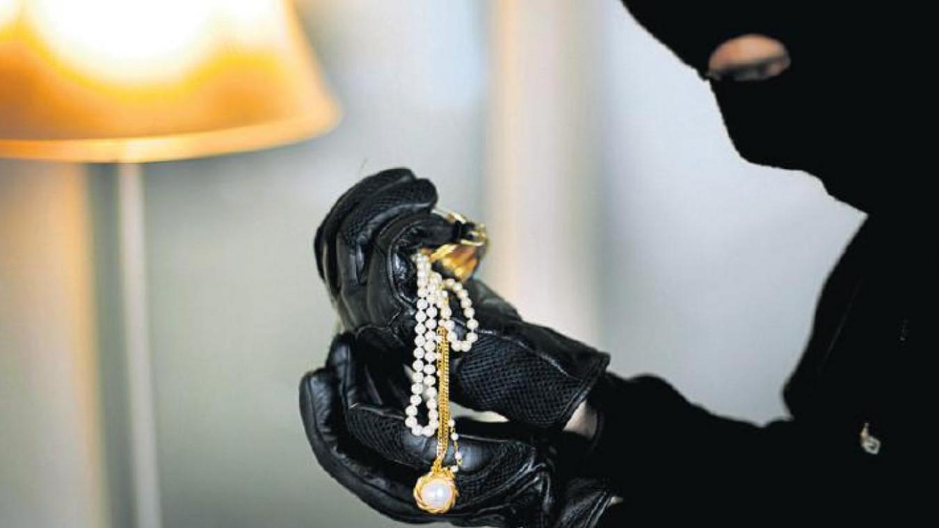 Villers-Outréaux Elle s'absente quelques heures, des bijoux dérobés