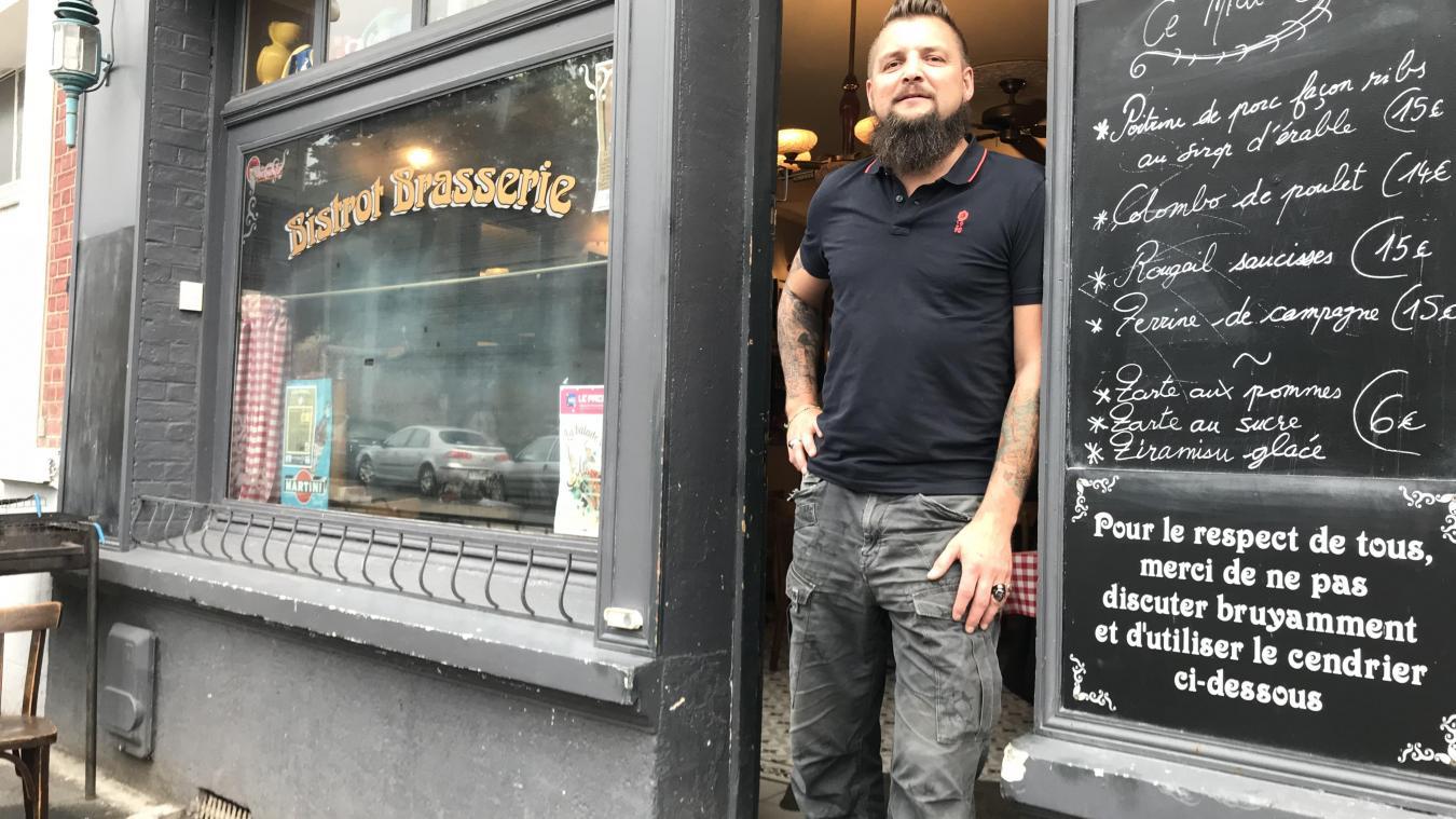 Thibaud Monchicourt, patron du café Chez Jules et Madeleine de la place de la Barre et grand ordonnateur du festival du 22 septembre.