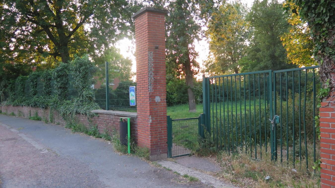 L'entrée du futur « sas d'insertion » Roms, rue Auguste-Bonte, à côté du caniparc.