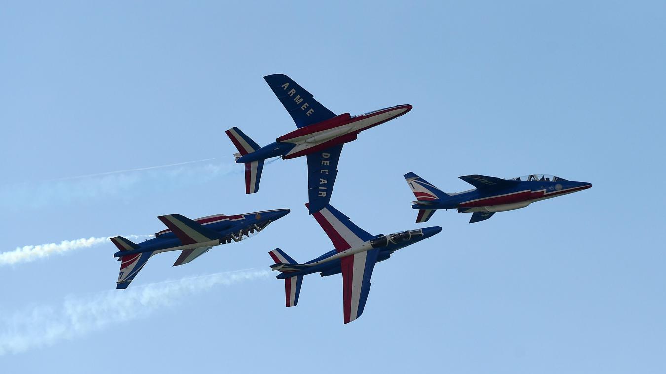 b027a68cb54 Les pilotes enchaînent les figures à quelques mètres les uns des autres.  Photo Marc Demeure - VDNPQR