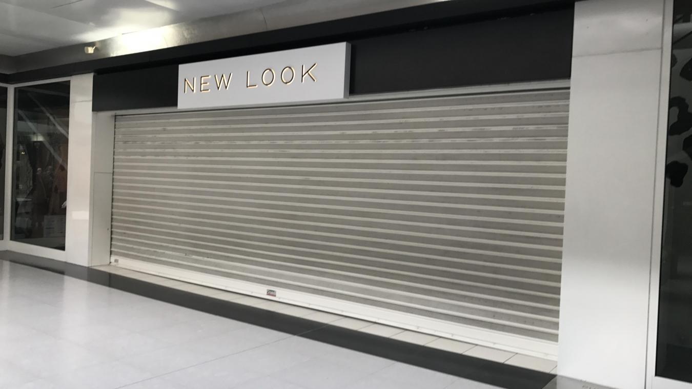 5b6534872d16 Ce lundi matin, le magasin New Look de Cité Europe affichait porte close.