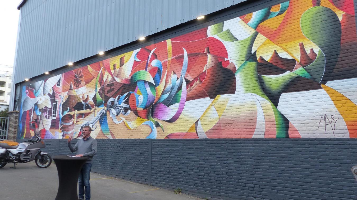 Peindre Une Fresque Sur Un Mur la madeleine la société catteau inaugure une fresque d