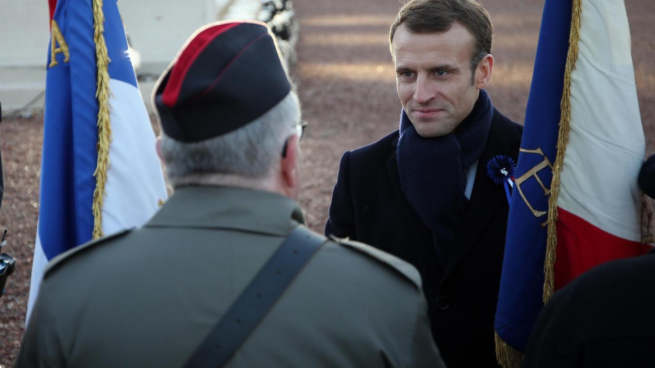 Emmanuel Macron lors de son passage à l'anneau de la mémoire et à Notre-Dame-de-Lorette. PHOTO SEVERINE COURBE