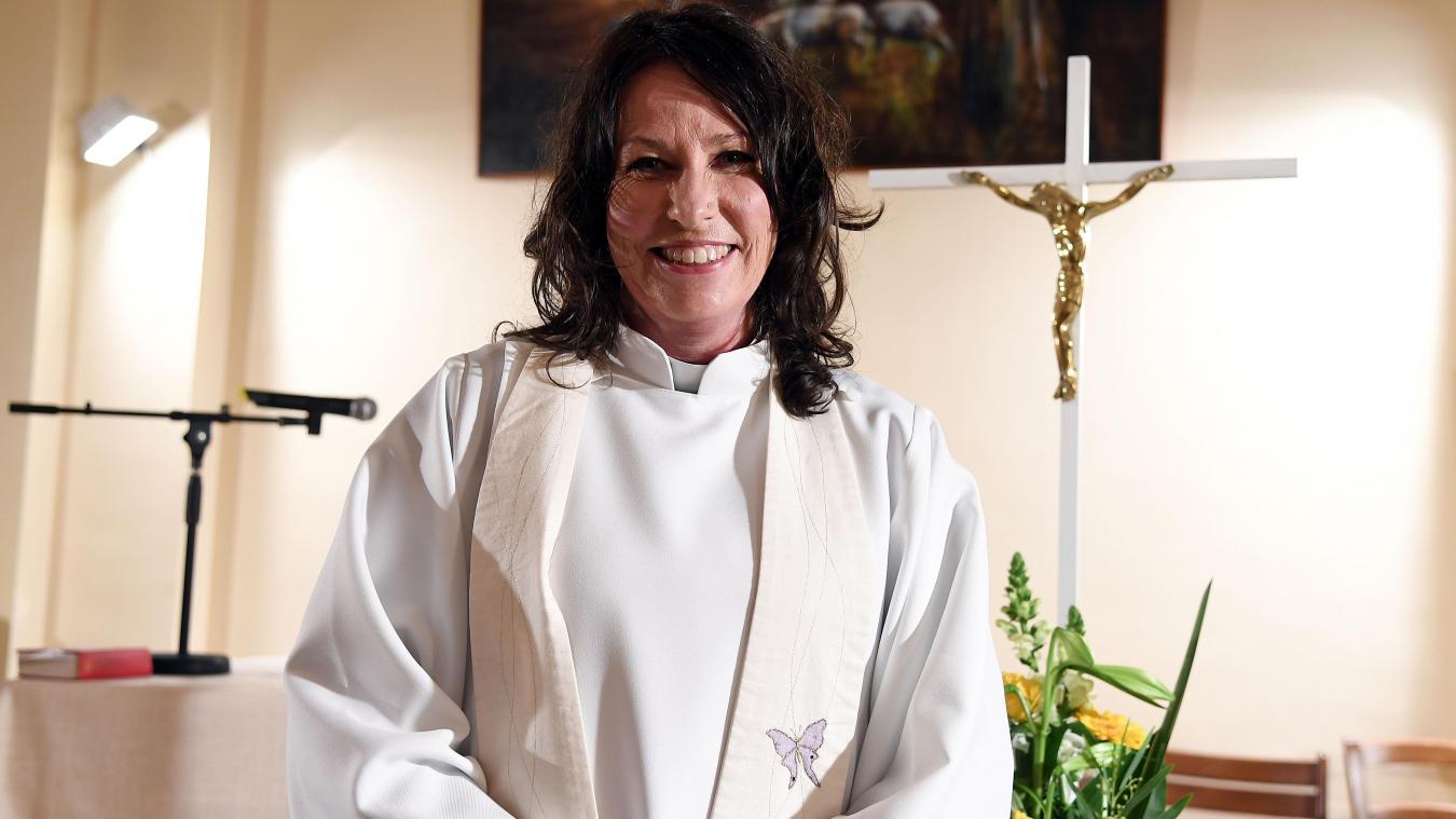 Résultats de recherche d'images pour «Le prêtre arrive enfin»