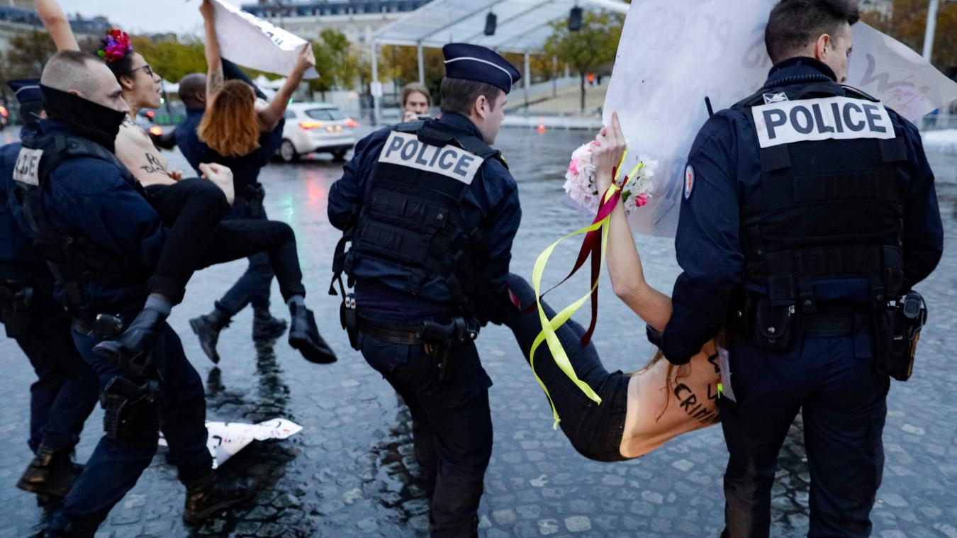 Cérémonies du 11 novembre à Paris : trois militantes Femen déjouent la sécurité