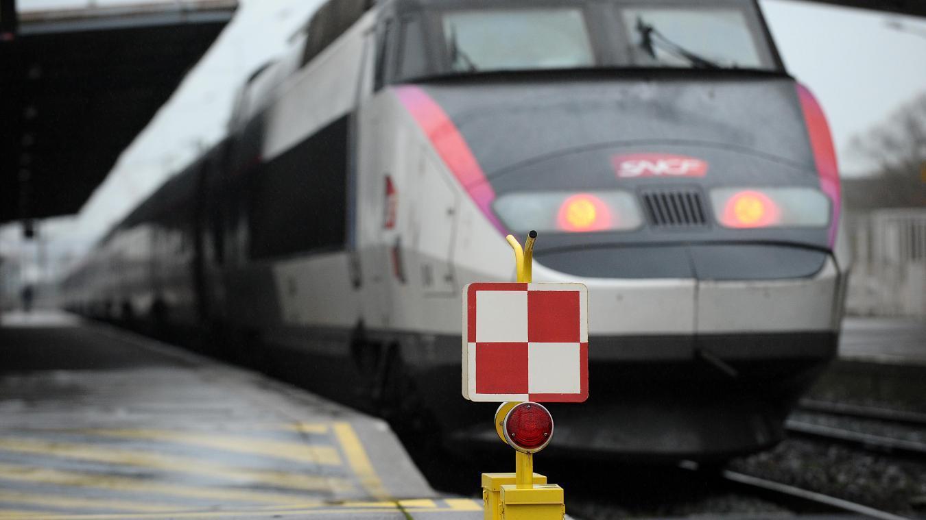 Il tente de s'immoler dans un TGV avec... du rosé — Lyon