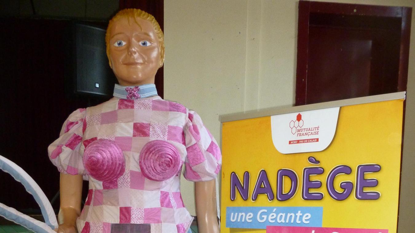 La géante, Nadège était la mascotte de cette journée de dépistage. 12c93bb1e2e