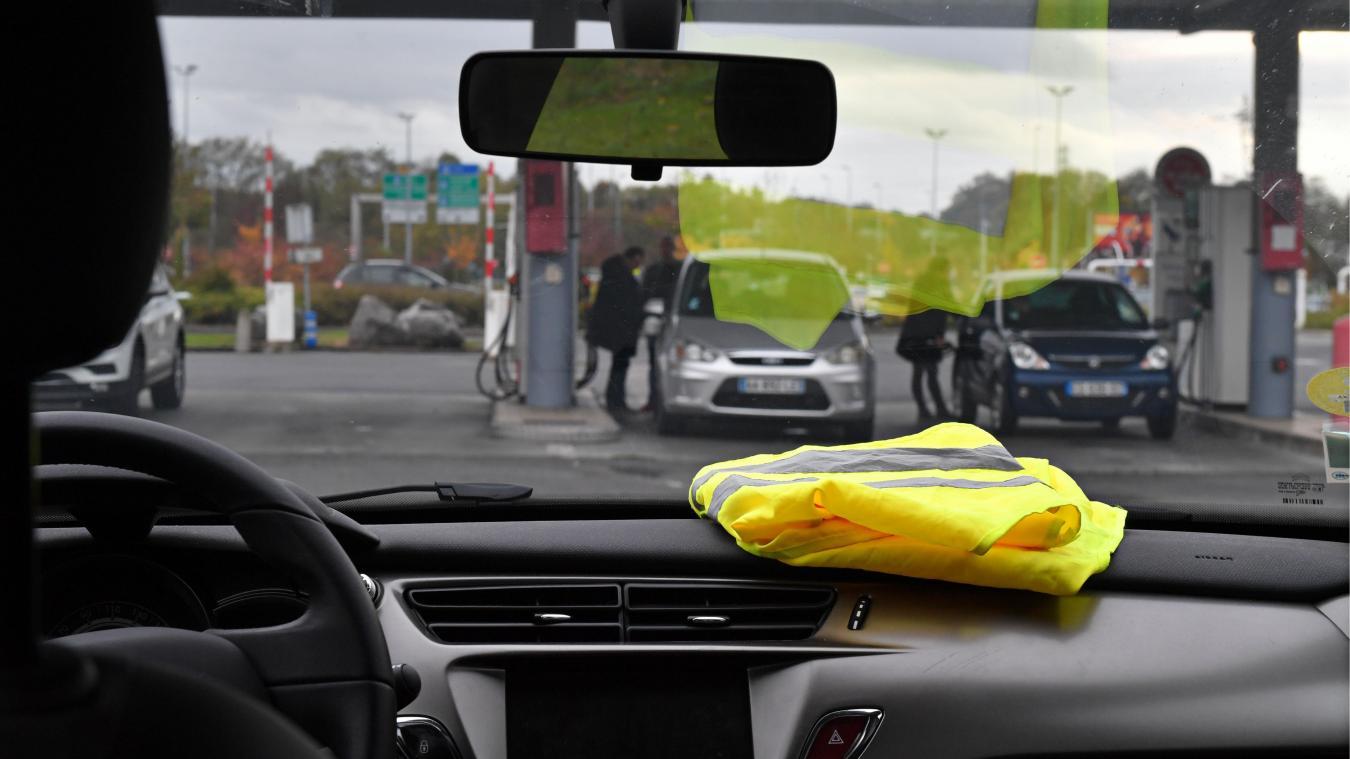 Mobilisation du 17 novembre: Les gilets jaunes bloquent la Route du Littoral