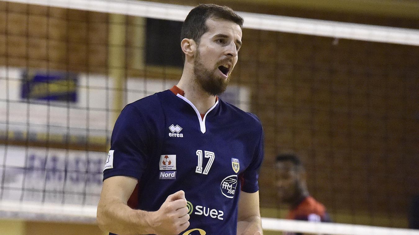 À 28 ans, Ivan Jecmenica, 2,02 m, espère vivre une grande saison avec Cambrai. PHOTO CHRISTOPHE LEFEBVRE