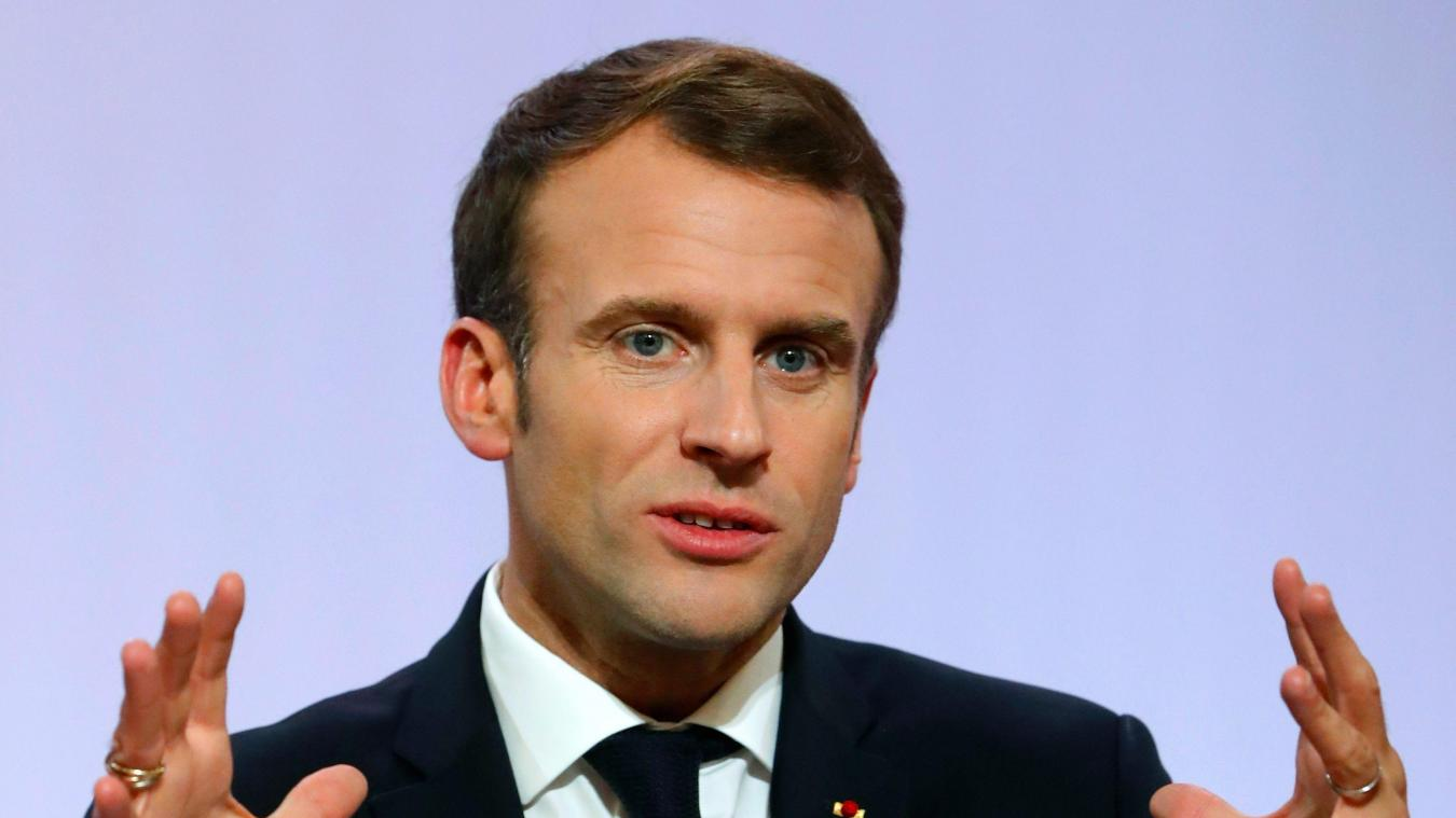La cote de popularité d'Emmanuel Macron baisse de quatre points
