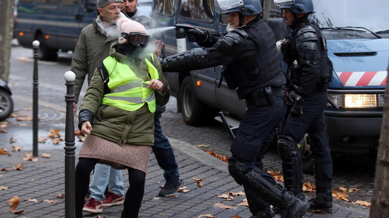 """Résultat de recherche d'images pour """"lacrymo champs elysees 2018"""""""