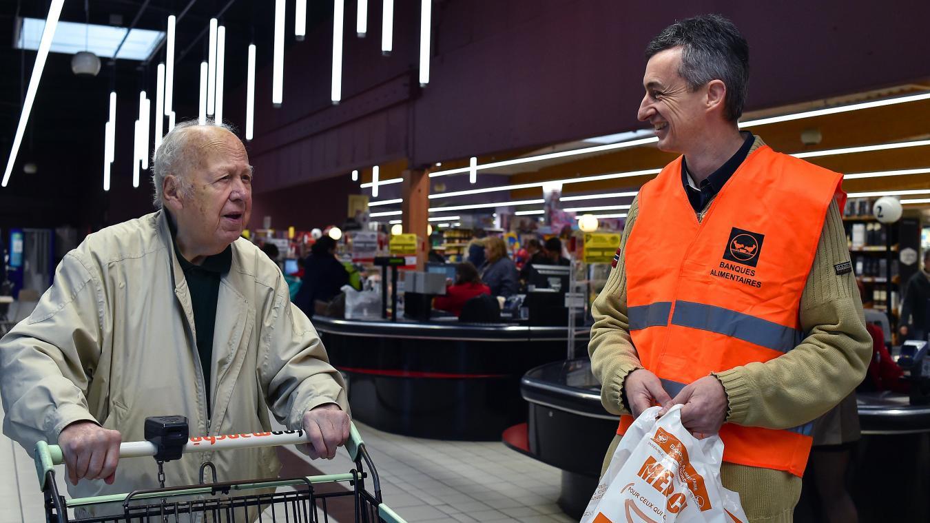 dd807e27305 N oubliez pas les bénévoles de la Banque alimentaire qui font la collecte  dans les