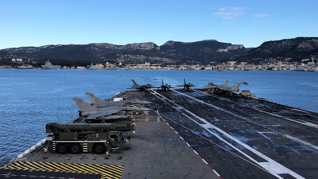 Porte Avions Le Grand Charles Est De Retour