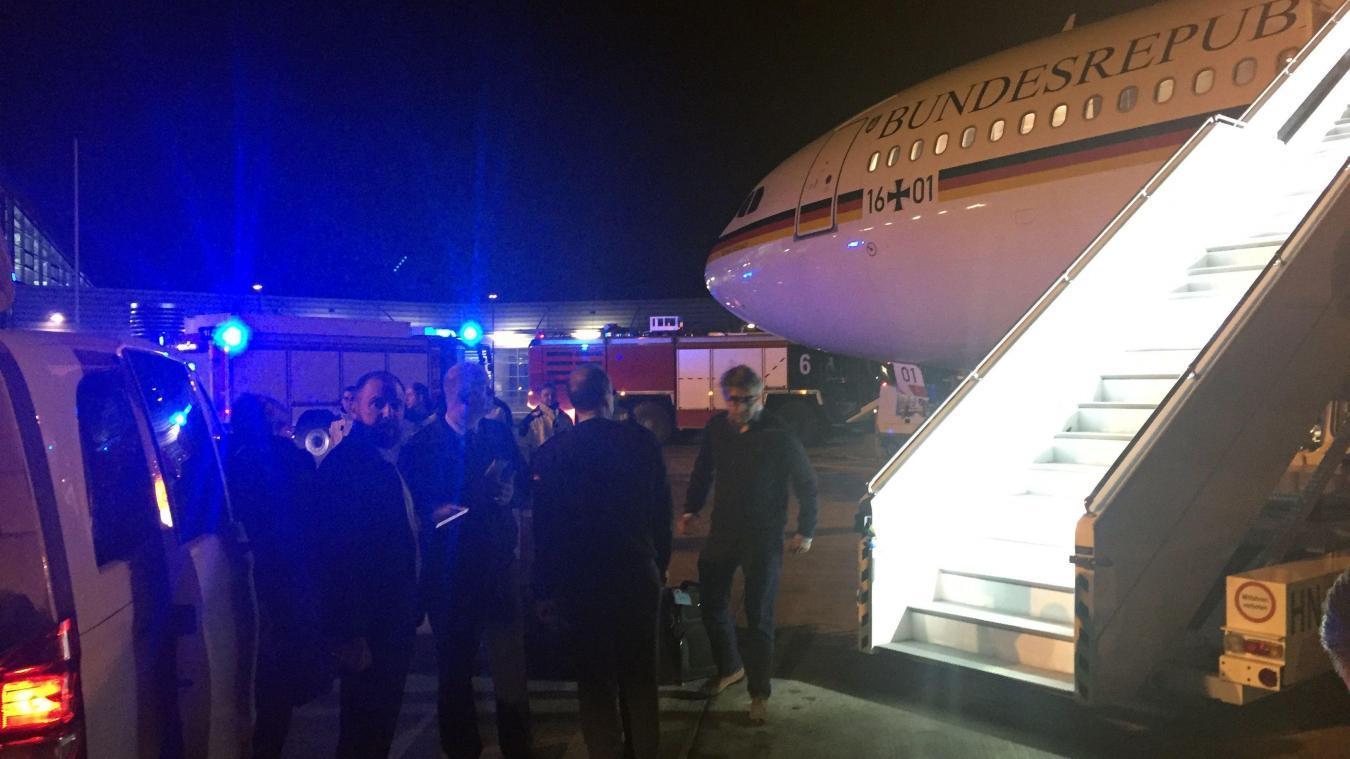Atterrissage d'urgence de l'avion de Merkel : la piste criminelle envisagée