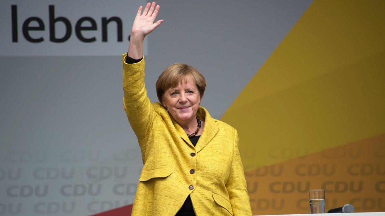 Les conservateurs allemands élisent une fidèle d'Angela Merkel à leur tête