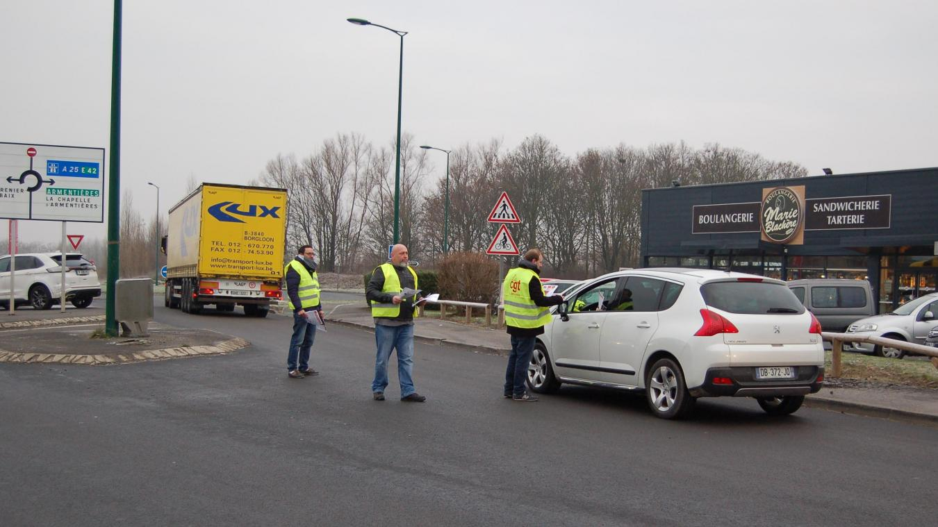 La chapelle d armenti res bois grenier distribution de for Garage la chapelle d armentieres