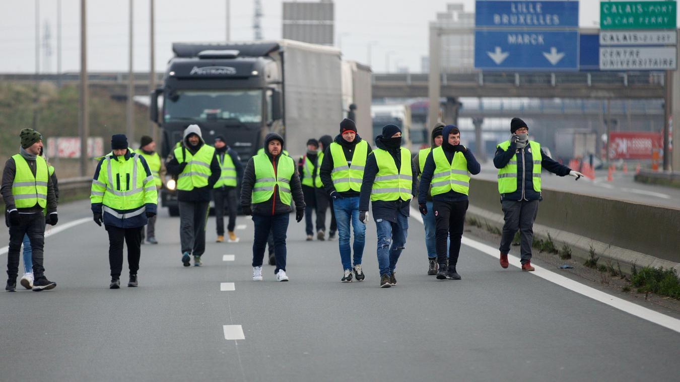 9a98881798c1 Gilets jaunes  A16 bloquée à Calais